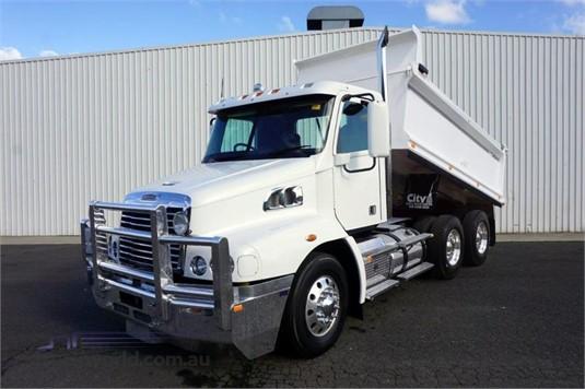 2012 Freightliner Century CST 112 - Trucks for Sale