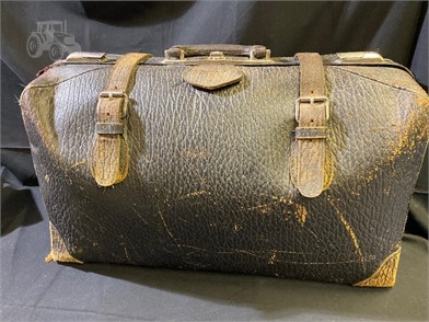 Tremendous Antique Vintage Leather Doctors Bag Other Items For Sale 1 Dailytribune Chair Design For Home Dailytribuneorg