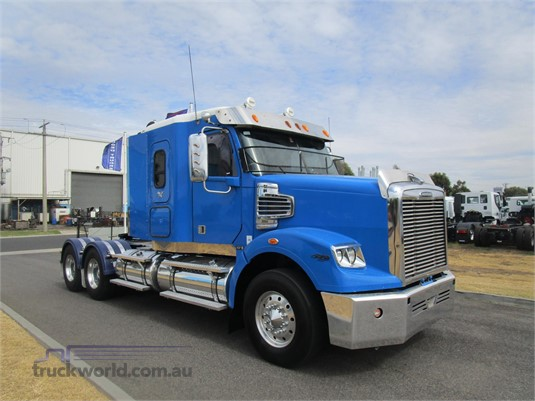 2011 Freightliner Coronado 122 SD - Trucks for Sale