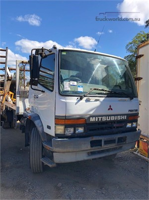 1998 Mitsubishi Fighter - Wrecking for Sale