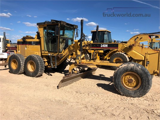 2001 Caterpillar 140H  - Heavy Machinery for Sale