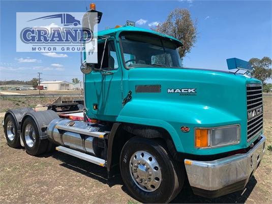 2001 Mack CH Fleetliner Grand Motor Group - Trucks for Sale
