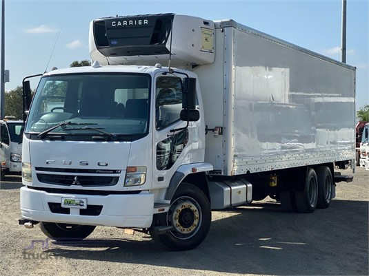 2010 Mitsubishi Fuso FIGHTER 2427 - Trucks for Sale