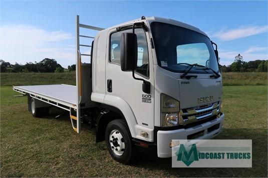 2011 Isuzu FRR 600 Premium Midcoast Trucks - Trucks for Sale