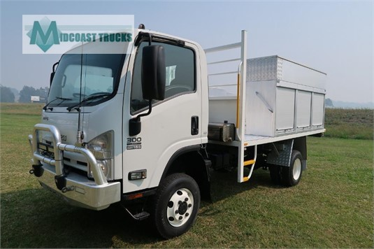 2014 Isuzu NPS 300 4x4 Midcoast Trucks - Trucks for Sale