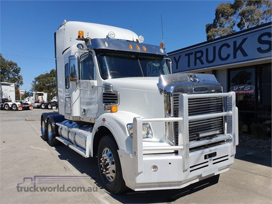 2011 Freightliner Coronado 114 - Trucks for Sale