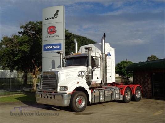 2013 Mack Super Liner - Trucks for Sale