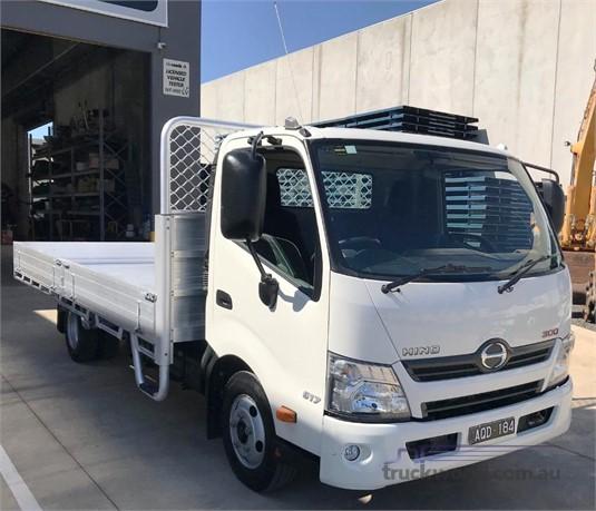 2017 Hino 300 Series 617 - Trucks for Sale
