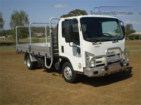 2009 Isuzu NPR 200 Black Truck Sales - Trucks for Sale