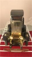 1928 Lincoln Motor Coach Plastic and Metal Car