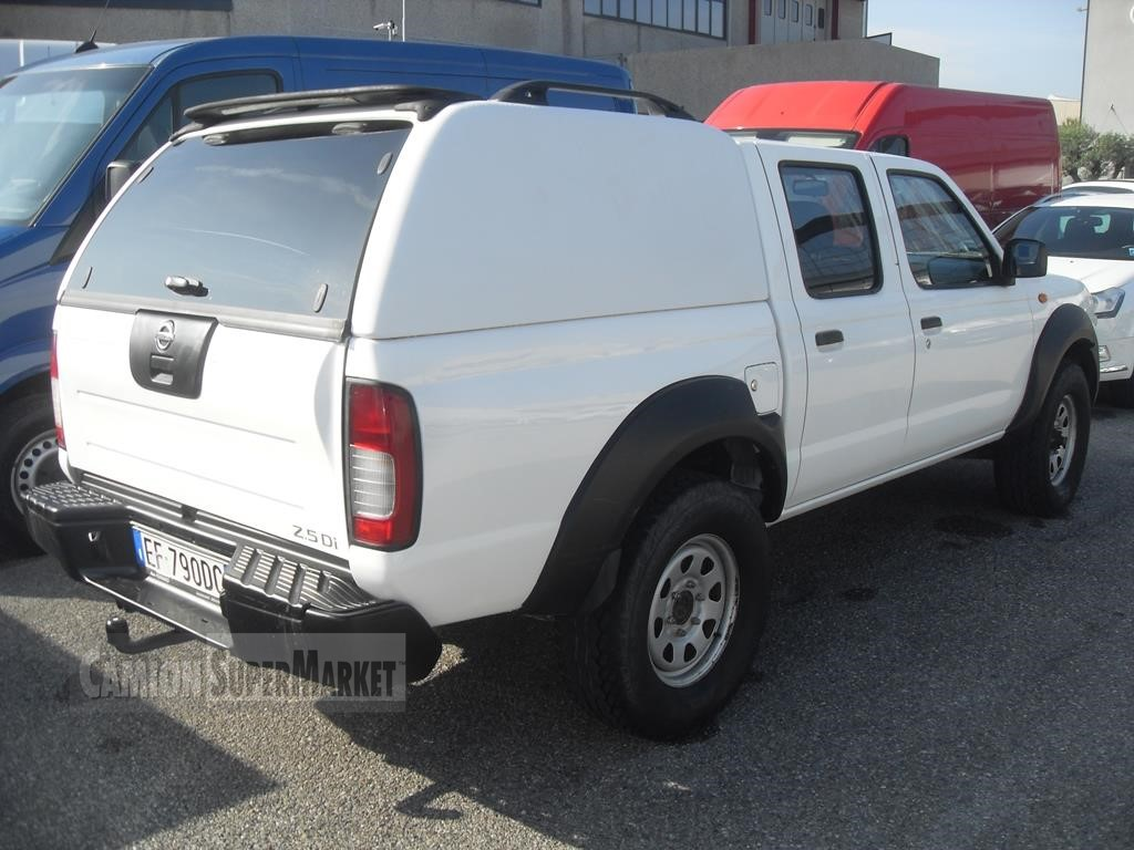 Nissan NAVARA Usato 2006 Lombardia