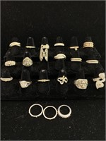 Lot of many assorted rings