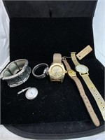 Large watch lot with 4 watches