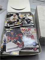 95' & 96' NHL Hockey DonRuss Collectible cards