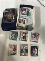 Loose Baseball Cards