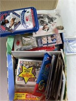 Lot of assorted play, baseball, football cards