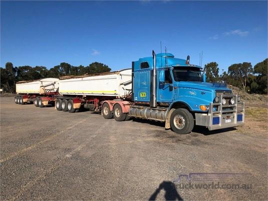 2008 International 9200i - Trucks for Sale
