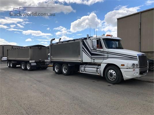 2009 Freightliner other - Trucks for Sale