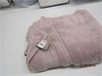 BATH TOWEL - DAMAGED