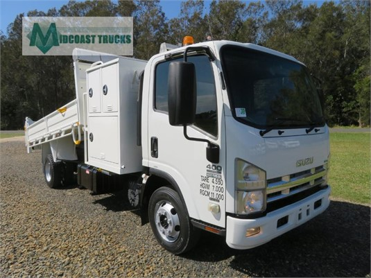 2011 Isuzu NPR 400 Premium Midcoast Trucks - Trucks for Sale