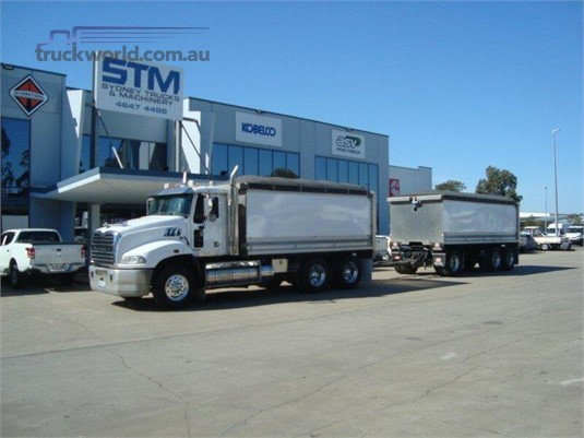 2013 Mack Granite - Trucks for Sale