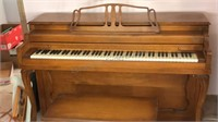 Vintage Lester Betsey Ross Spinet  Upright Piano