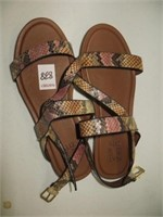 WOMENS SANDALS SIZE 9