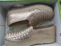 WOMENS SHOES SIZE 6