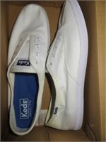 WOMENS SHOES SIZE 7.5