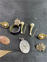 Assorted rings, pins and jewelry lot