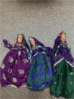 Matching vintage dolls