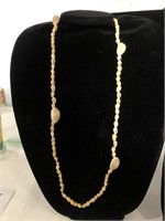 2 Shell women's necklaces
