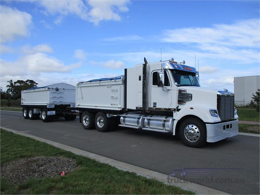 2015 Freightliner Coronado 114 - Trucks for Sale