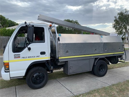 2005 Isuzu NPR - Trucks for Sale