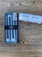 Set of 4 chopsticks and salad dryer bag