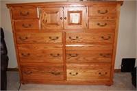 10 Drawer Oak Dresser w/Hat Box & Jewelry Tray