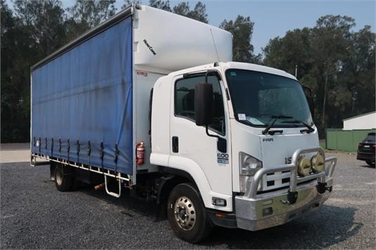 2013 Isuzu FRR 600 Long - Trucks for Sale
