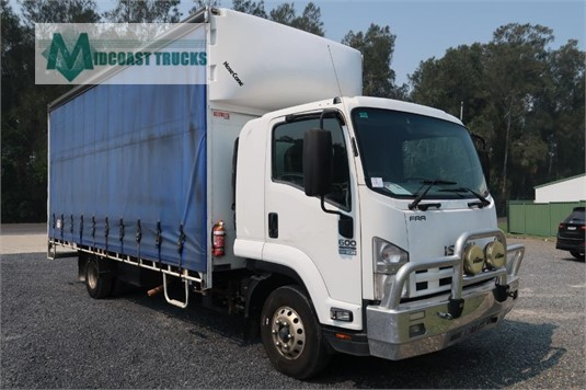 2013 Isuzu FRR 600 Long Midcoast Trucks - Trucks for Sale