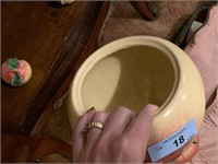 VTG APPLE THEMED COOKIE JAR AND SALT & PEPPERS