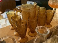 LOT OF AMBER TIARA GLASS PITCHER AND GLASSES SET