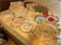 LARGE LOT OF DOILIES / CROCHETED / MORE