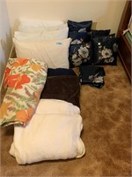 LOT OF PILLOWS AND LINENS