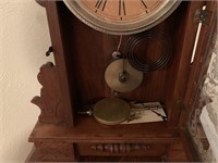 VTG GILBERT GINGERBREAD CLOCK