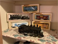 LOT OF TRAINS LIONEL AND MORE