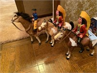 LOT OF VTG COWBOYS AND INDIANS FIGURINES