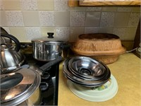 LARGE LOT OF REVERE WARE COOKWARE / MORE