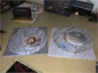 LOT OF MARBLE ITEMS / CUTTING BOARD