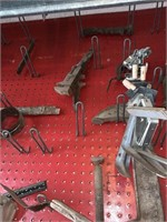 CONTENTS OF PEG BOARD LOADS OF VTG & ANTIQUE TOOLS