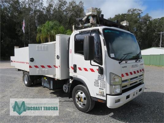 2011 Isuzu NPR 300 Medium Premium Midcoast Trucks - Trucks for Sale