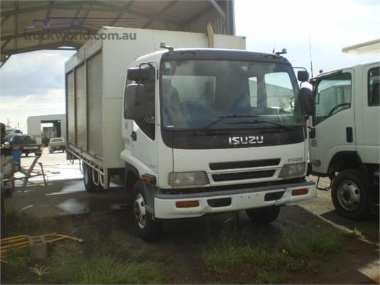 2005 Isuzu FRR 525 Black Truck Sales - Trucks for Sale